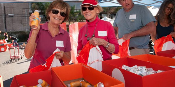 Volunteers Pack 3,000 Care Kits for Neighbors in Need