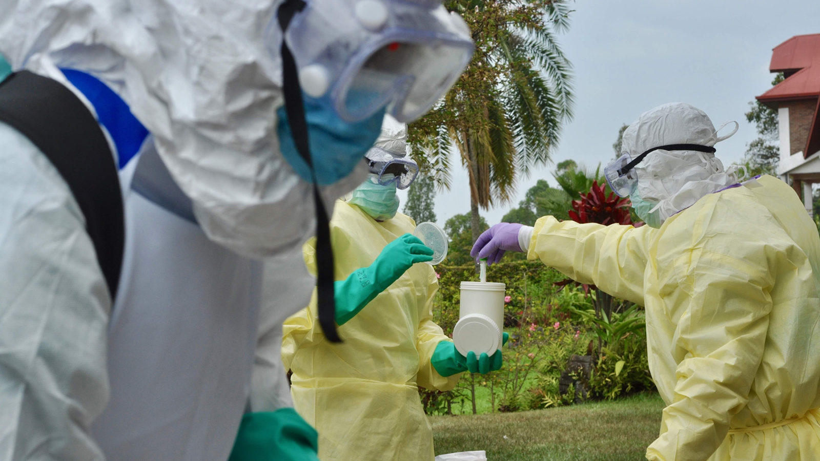 A rapid response team in the Democratic Republic of Congo conducts exercises to prepare for exposure to Ebola. Cases of the disease, two of which were fatal, were recently discovered in Uganda, and health officials are on high alert to prevent further spread of the disease. More than 1,400 people have died as a result of the outbreak since last year. (Photo by  Tania Seburyamo for the World Health Organization)