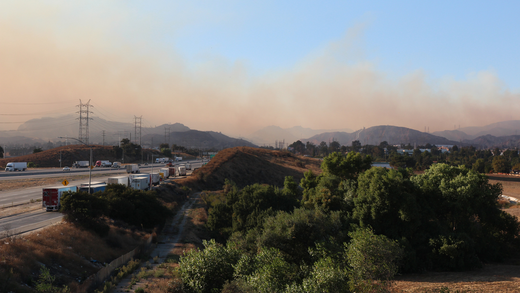 Smoke from the Saddleridge Fire crosses the I-5 Freeway in the San Fernando Valley last week. (Noah Smith / Direct Relief)(Noah Smith/DIrectRelief)