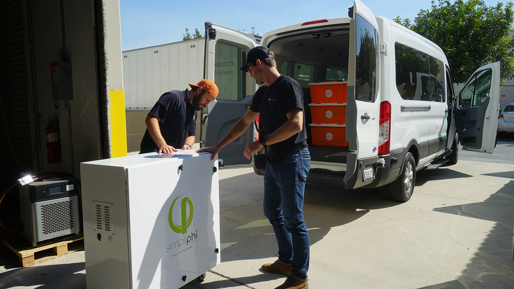 Direct Relief's Emergency Response team delivers a generator to the Free Clinic of Simi Valley. The generator provided the clinic with emergency backup power during the Saddleridge Fire. (Amarica Rafanelli/Direct Relief)