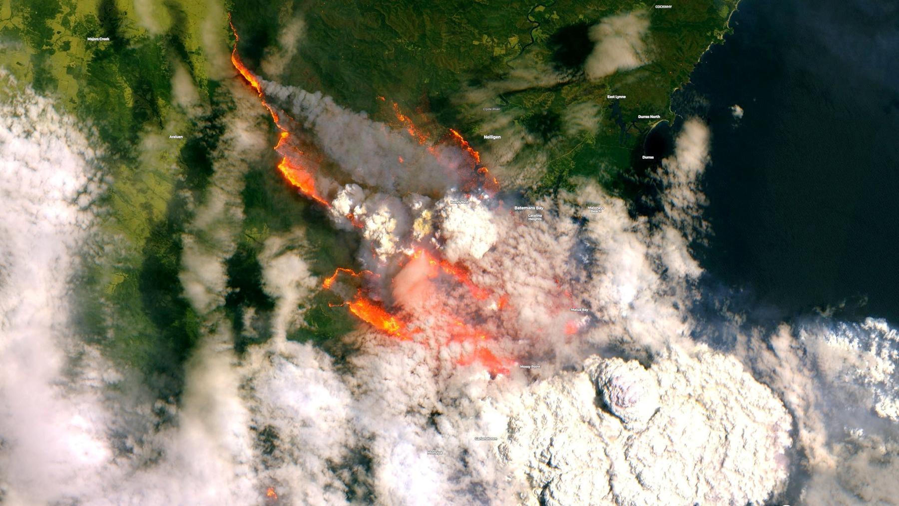 Bushfires burn across Australia on Dec. 31, 2019, as seen from satellite imagery above. (Copernicus Sentinel photo)