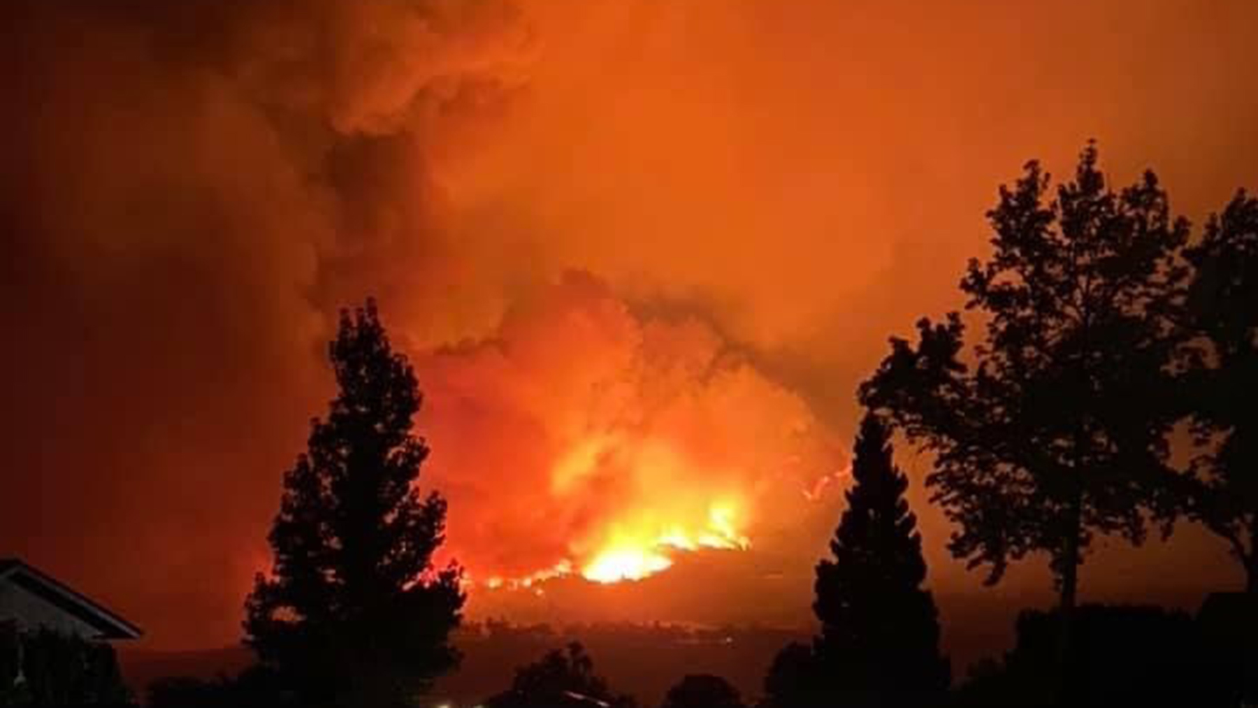 A view taken during an evacuation from Oroville, Butte County of the North Complex Fire. (Photo courtesy of Mykalyn Stahr)