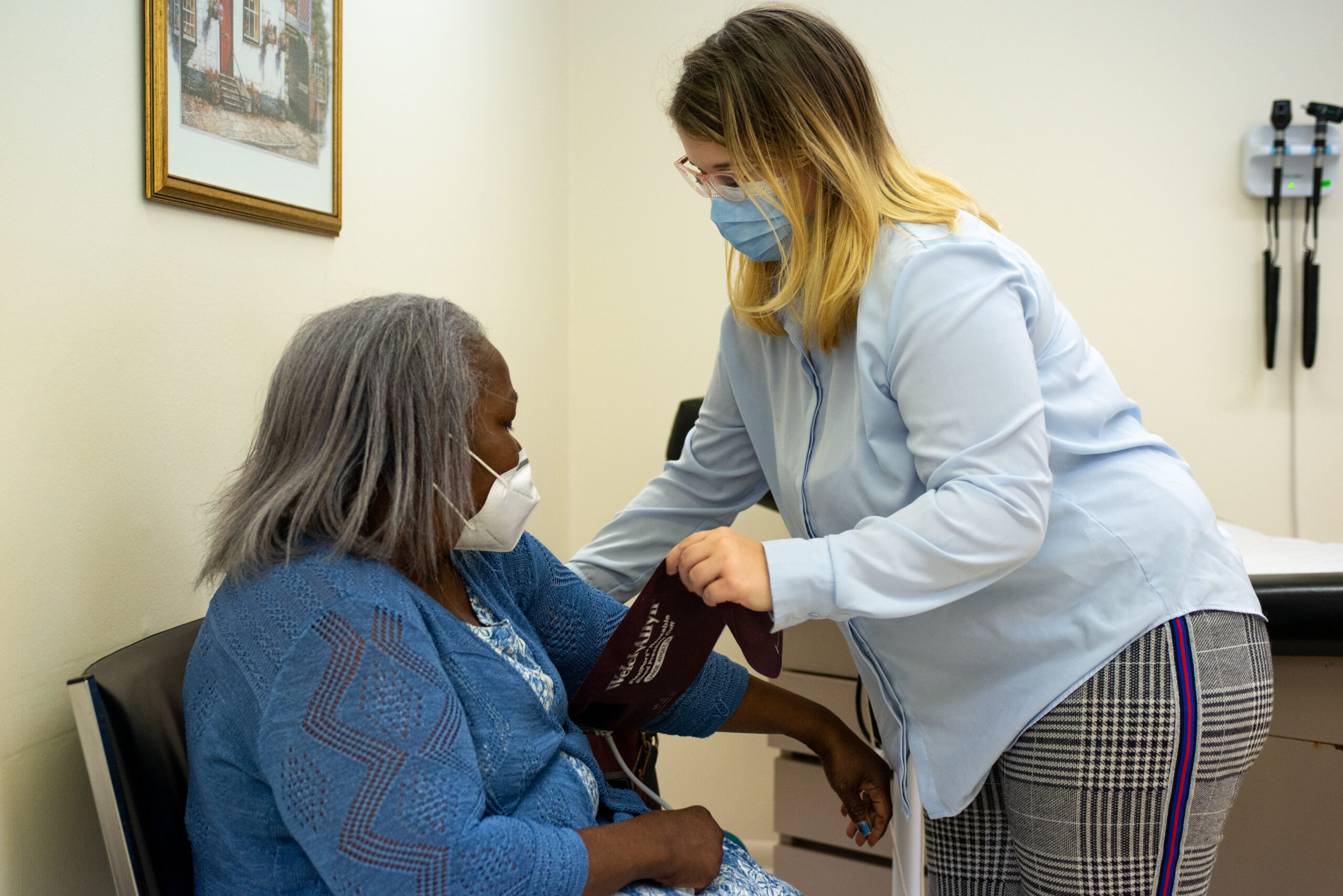Free Clinic of Meridian staff member, Desiree Wilson, assists A Healthier You Meridian program participant, Deborah Ramsey, get checked in and takes her vital signs during a regularly scheduled appointment. Meridian, MS Tues, Nov. 24, 2020 (Photo By Revere Photography for Direct Relief)
