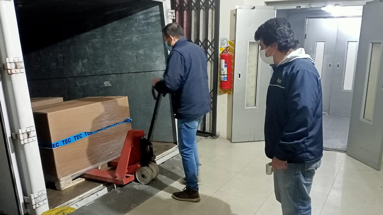 Polio vaccine from Mexico arrives in Ecuador via Direct Relief in response to an international appeal for additional doses. (Photo: Luis Armijos, Ministry of Health of Ecuador )