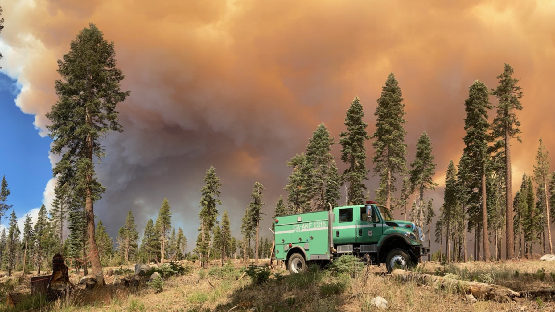 Engines respond to the Caldor Fire, a blaze that has caused more than 22,000 residents to evacuate the Lake Tahoe area. Fires across California and the Western U.S. are active, and Direct Relief is supporting local health facilities with medical aid. (U.S. National Forest Service photo)