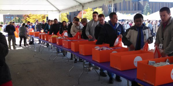 AbbVie Employees Ready 1,000 Family Emergency Kits