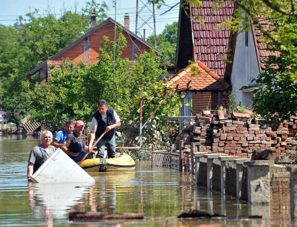 Bosnia flooding getty images May 2014
