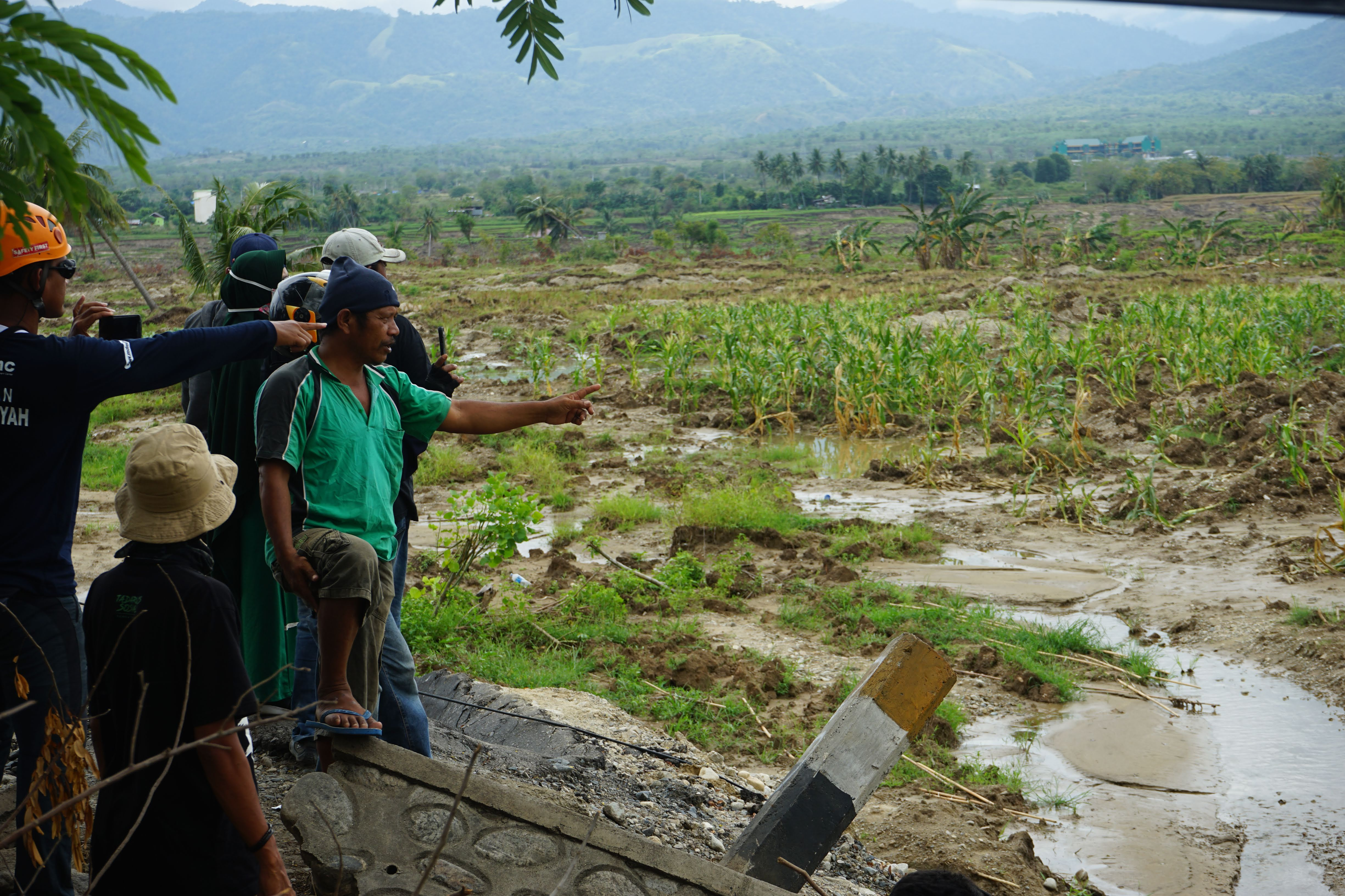 Devastation in Sulawesi, Indonesia, is pictured on October 12, 2018. Responding in the area are members of the  Muhammadiyah Disaster Management Center, which has been conducting search and rescue in the days since the earthquake and tsunami struck, as well as medical outreach, shelter care and food distribution. Direct Relief is supporting MDMC with funding to continue their critical work in the region as recovery begins. (Photo courtesy of Gordon Willcock)
