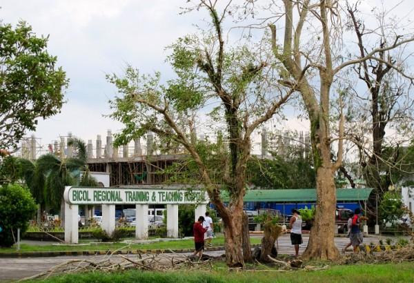 Debris at Bicol Regional Training & Teaching Hospital, Legazpi - Paint