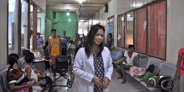 Physician Spotlight: Caring for Philippines Typhoon Survivors One Year Later