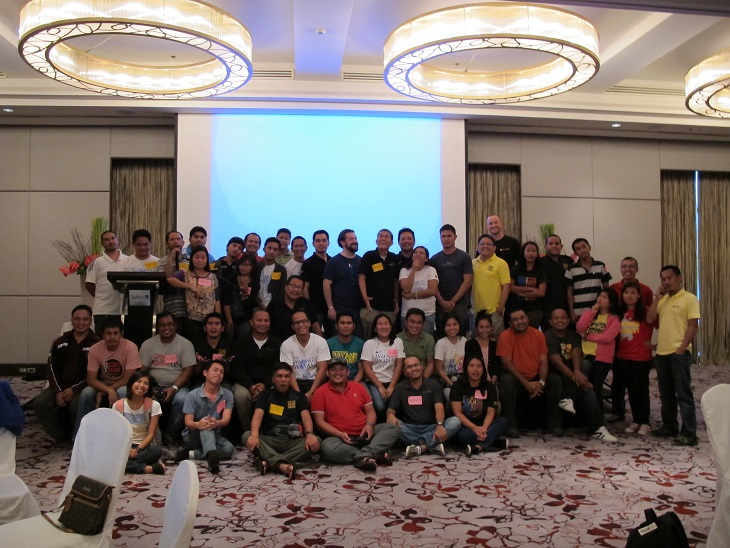 Group photo of the teams training in the Philippines on how to use Palantir for effective data collection before, during, and after emergencies.