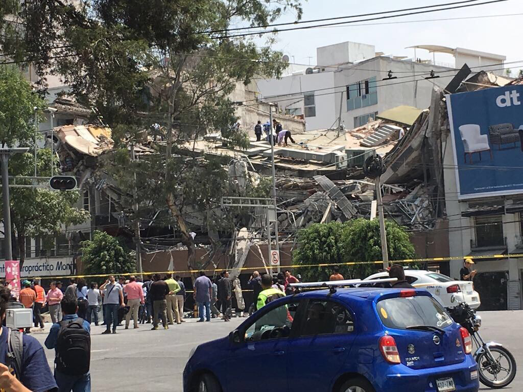 A building collapsed in Roma Norte, a neighborhood impacted by a large earthquake that struck on Sept. 19, 2017. (Courtesy photo)