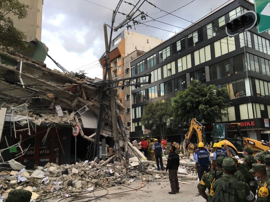 The earthquake left many buildings destroyed across the city, including this one in the Roma neighborhood of Mexico City. (Photo by Natasha Pizzey for Direct Relief)