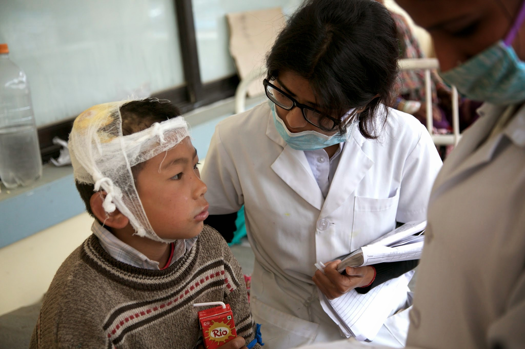 Nepal Earthquake: Child receives medical care
